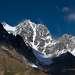 Заилийский Алатау. Самый северный хребет Тянь-Шаня. Лето здесь очень короткое, и уже в сентябре моренную зону присыпает легкий снежок.