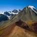 Такие виды в Заилийском Алатау встречаются довольно редко. Это так называемый микстит - смешение горных пород, с включением песчаника и доломитовой глины. Обычно микститы образуются на месте растаявшего ледника.