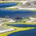 В нижнем течение река делится на многочисленные рукава, которые в свою очередь, образуют дельтовые озера, имеющие собственный микроклимат и богатые на различные биологические симбиозы.
