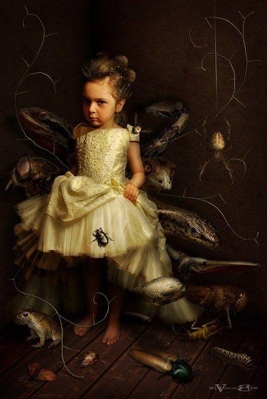 арт, фото, сюрреализм В окружении детских страховphoto preview