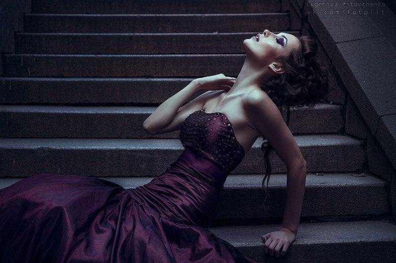 девушка, дым, кальян, ночь, платье, бальное Полуночное вино (серия)photo preview