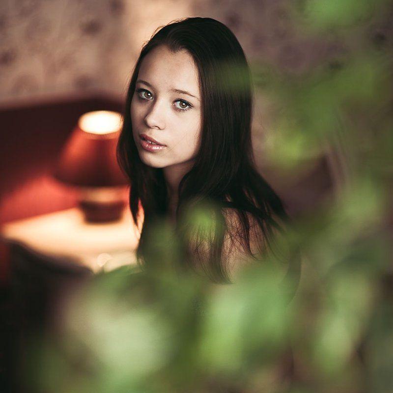 rourke photo, антон роук, большие глаза, брюнетка, девочка, подросток, постель, роук, утро Её сонphoto preview