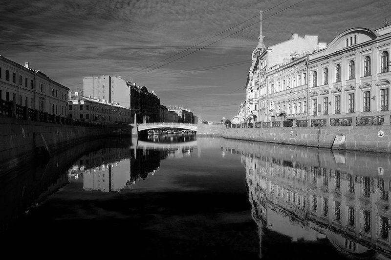 мойка, утро Красный мостphoto preview