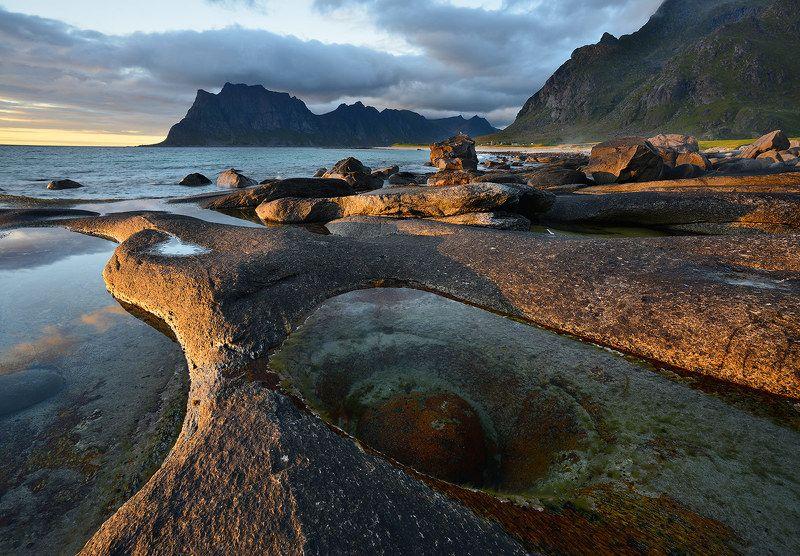 Вода и камниphoto preview