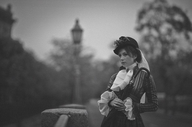 девушка, портрет, ч/б, осень, ретро, винтаж Старое фотоphoto preview