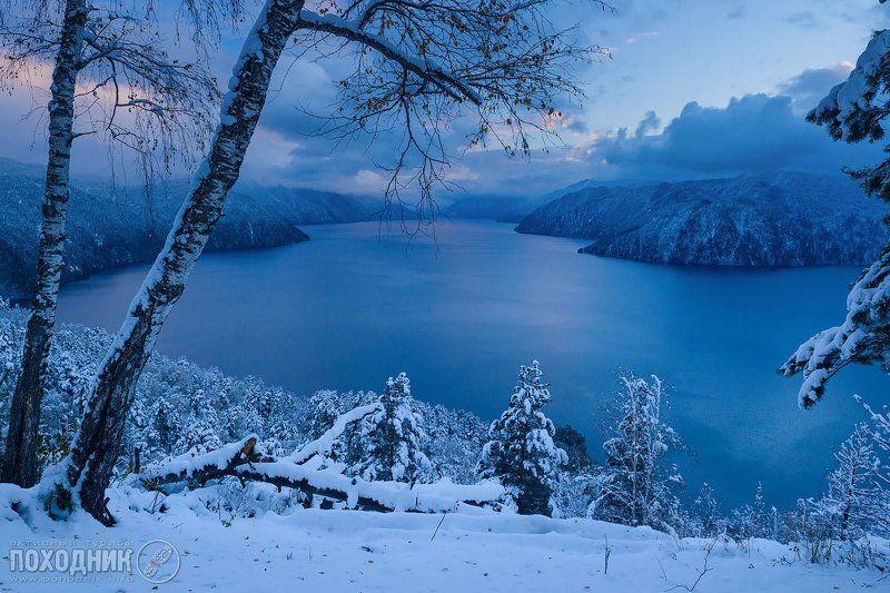 Первый снег на Телецком озере. Горный Алтай.photo preview