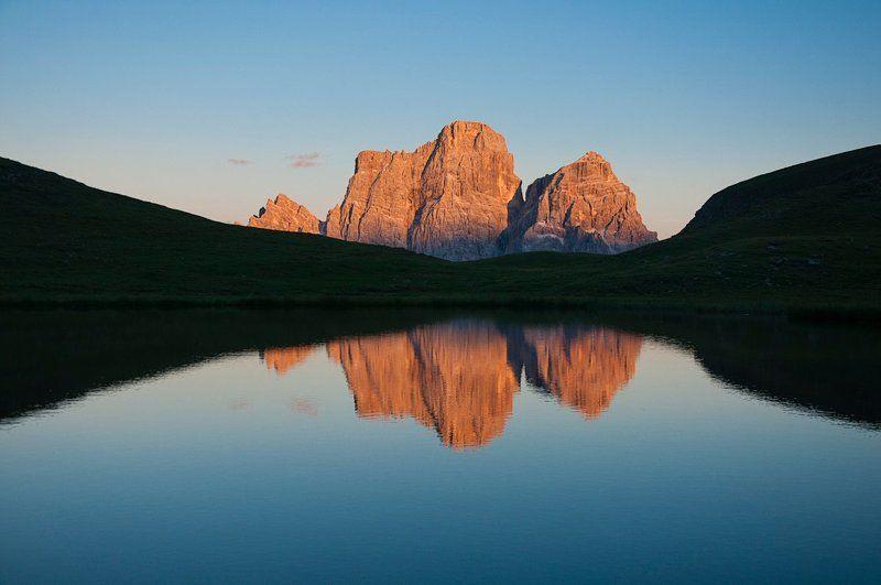 Триптих с горами по центруphoto preview