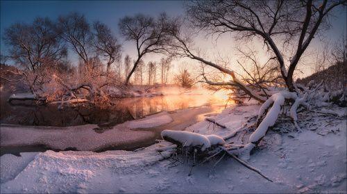 / Портрет реки в вечернем свете /