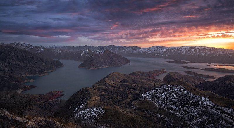 нурек, таджикистан, рассвет Нурекское водохранилищеphoto preview