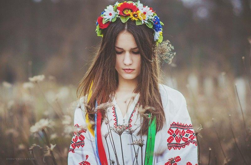 Ukraine girl, Венок, Девушка, Костюм, Природа ***photo preview