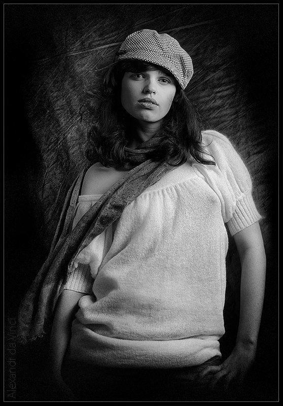 девушка, марина, обработка, портрет девушка, франция и мотороллерphoto preview
