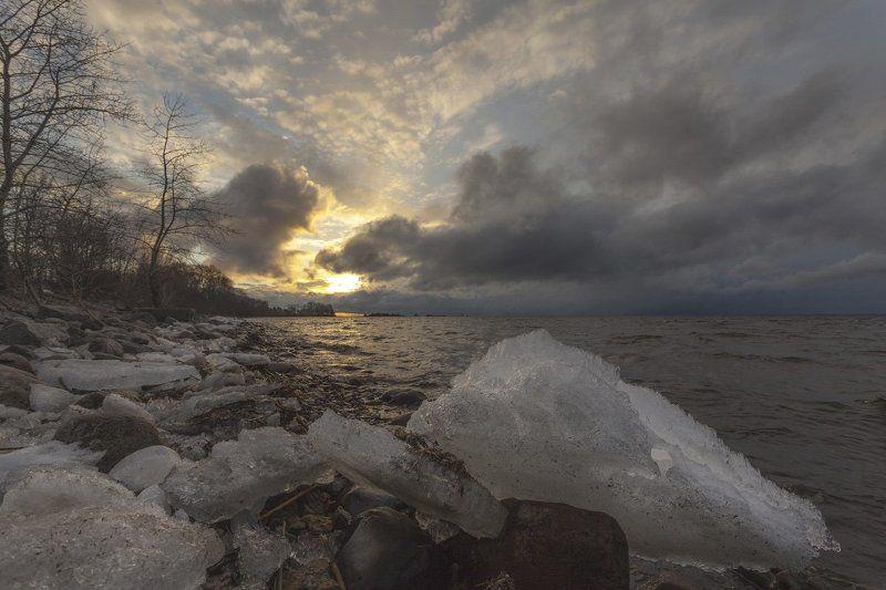 Весенний закат на Канонерском острове Петербургаphoto preview