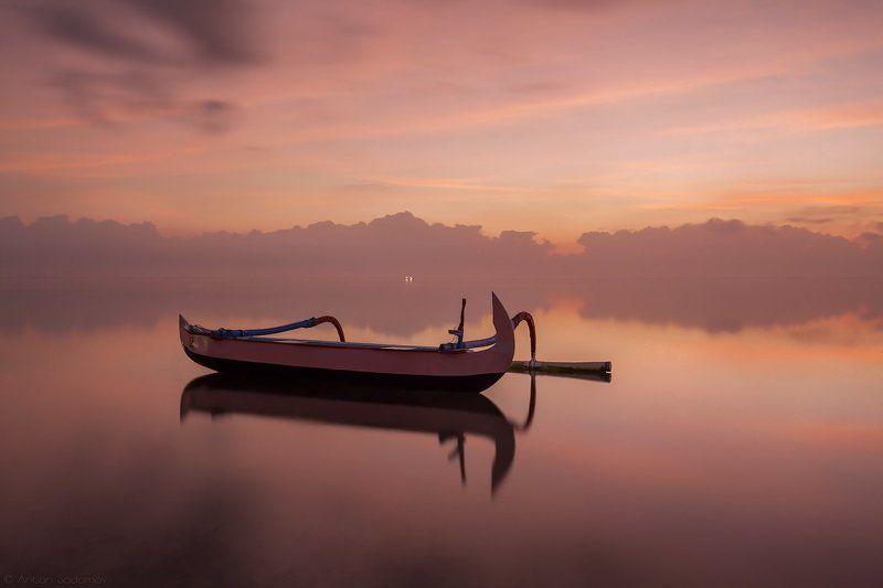 рассвет, бали, индонезия, лодка Тихий рассветphoto preview