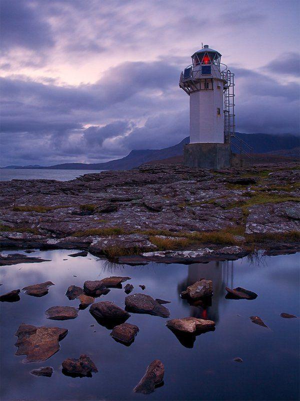 mc, scotland Маяк, чья башня привлекает взор скорей фотографа, чем мореходаphoto preview