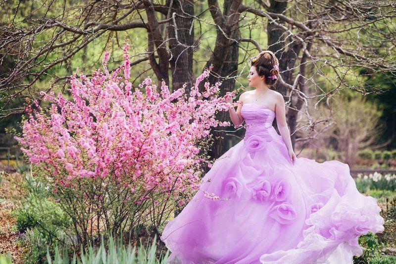 аромат, весна, вишня, дама, девушка, женщина, леди, лето, платье, розовый, сад, сакура, сиреневый, цветы Веснаphoto preview
