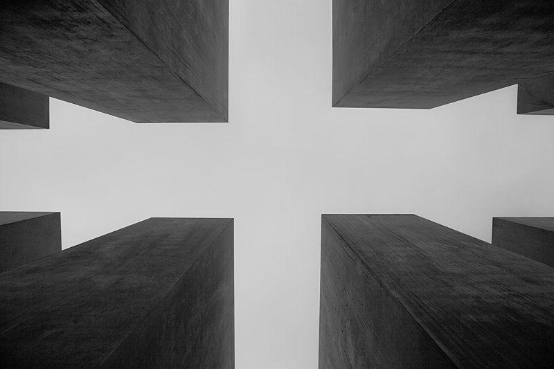 holocaust memorial crossphoto preview