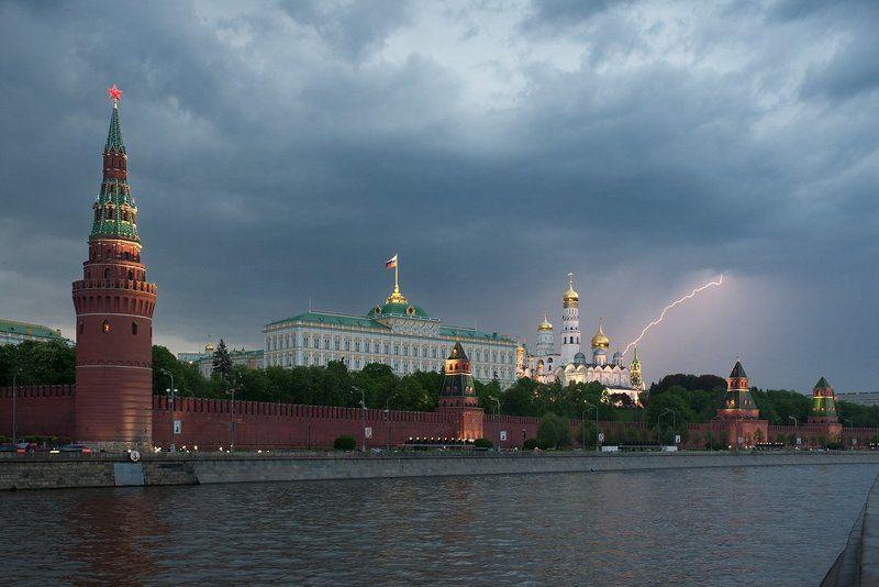 Город, Городской пейзаж, Гроза, Кремль, Молния, Москва, Москва-река, Тучи Гроза над Москвойphoto preview