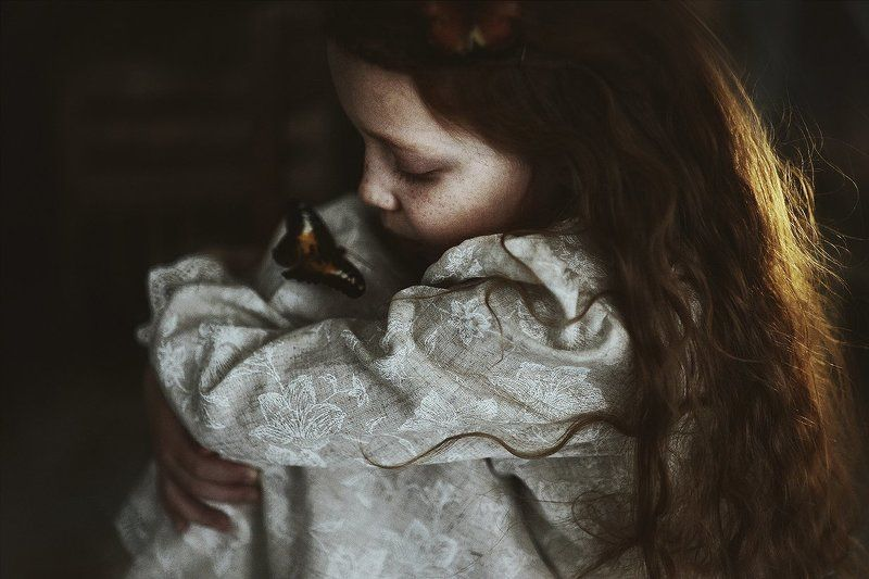 девочка-бабочкаphoto preview