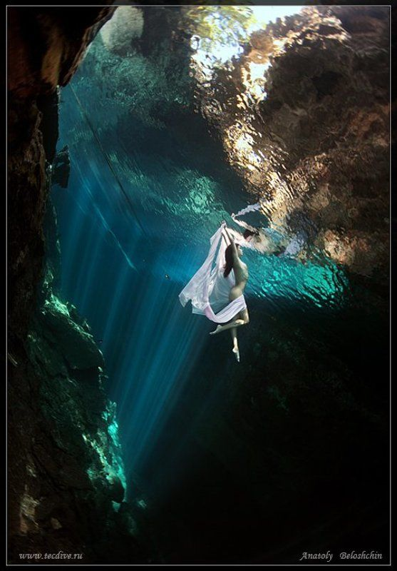 Cave chac mool, Анатолий Белощин, Мексика Through the Looking Glass (подводное фото)photo preview