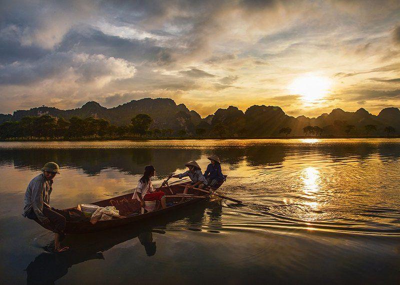 Quan Son Lake , Vietnamphoto preview