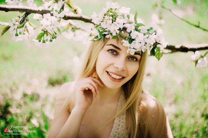 фотограф, арт, портрет, девушка, цветущие сады, нежность, okeyteam, kate troyan, photo Цветущаяphoto preview