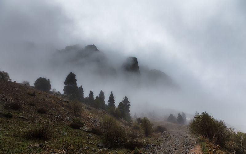 казахстан, горы, туюксу Бастионphoto preview
