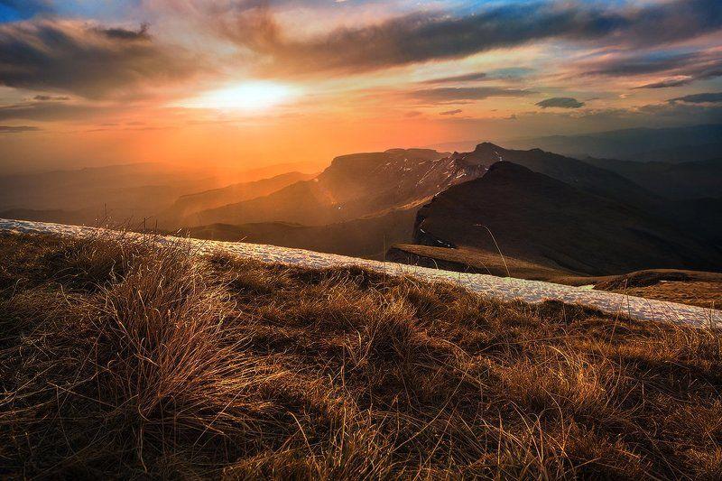 Восход над хребтом Агигеphoto preview