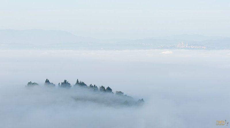 фототур, тоскана, италия, туман, рассвет Джиминьяноphoto preview