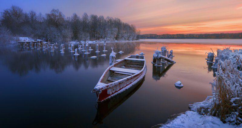 Про лодку зимой photo preview