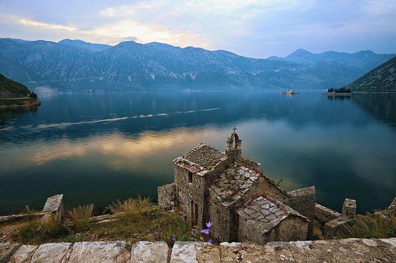 Черногория Старая церковьphoto preview