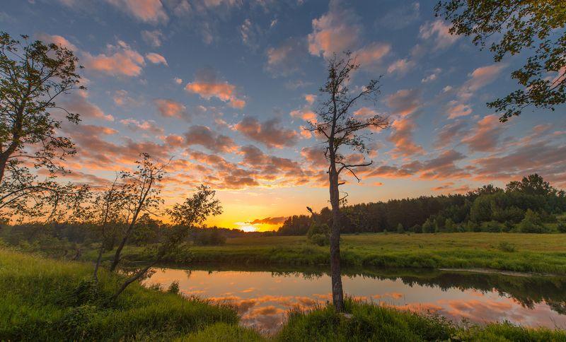 Тишина на закате в деревнеphoto preview
