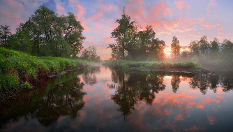 Летний рассвет на речкеphoto preview