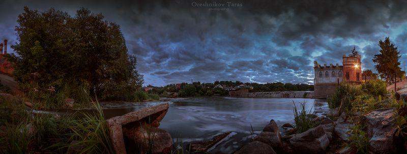 пейзаж,природа,закат,рассвет,небо,панорама,река,вода,архитектура на закате дня..photo preview