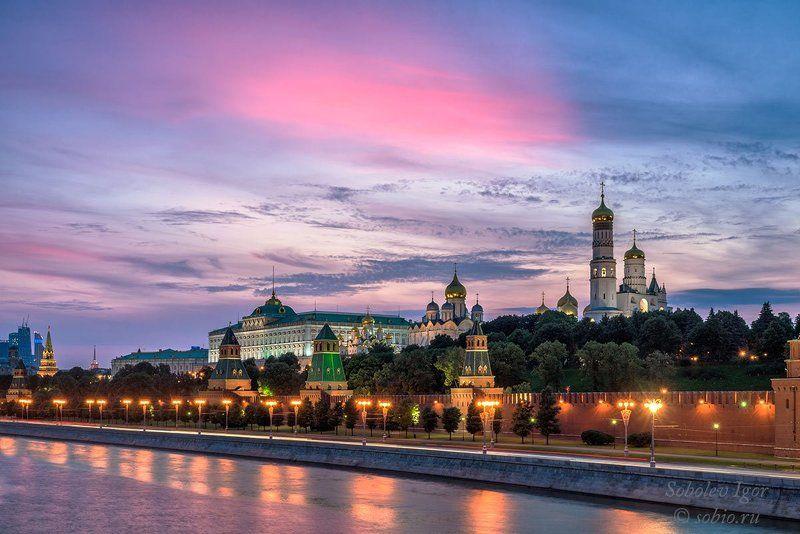Вечер, Закат, Кремль, Москва, Россия Перышкоphoto preview