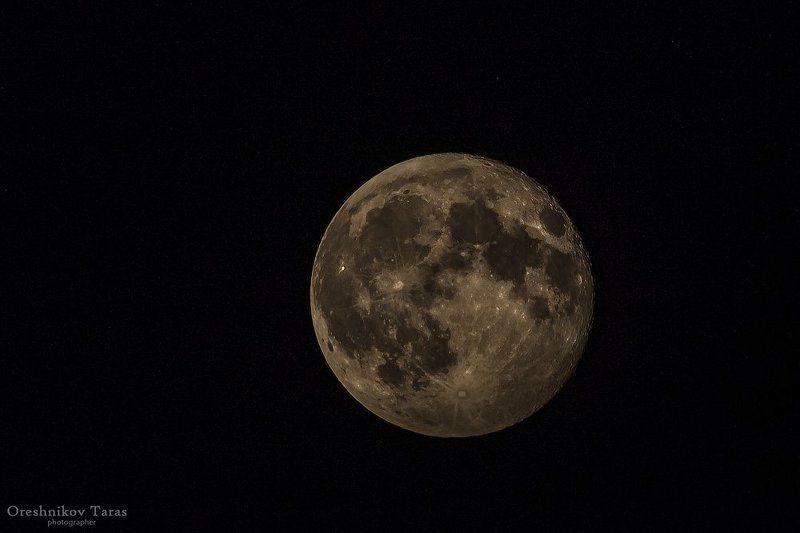 астрология, космосприрода, ланшафт, лунапланета, текстурарельеф одинокая,прекрасная Луна..photo preview