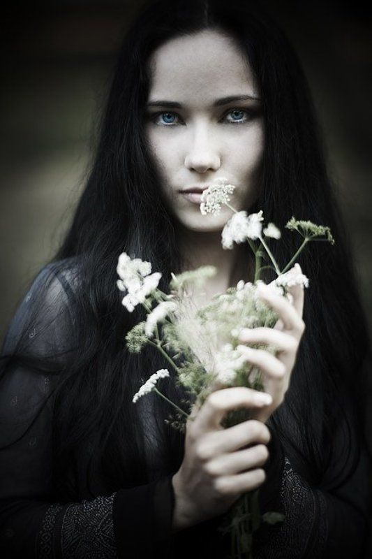 портрет, девушка, цветы Нинаphoto preview