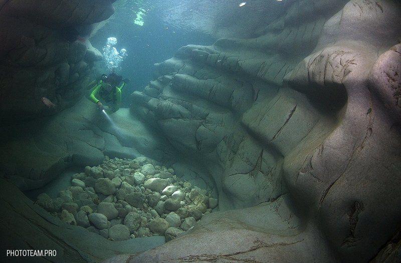 Дайвинг Подводное Каньон Дайвинг в каньонахphoto preview