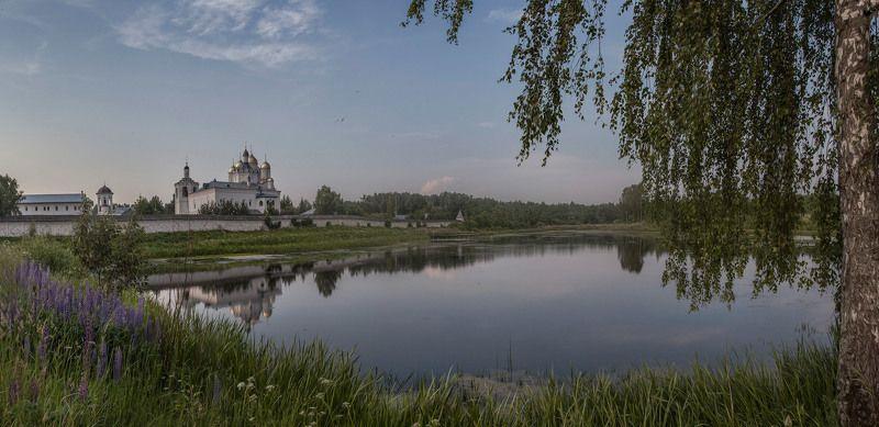 Болдино, Смоленщина, Троицкий монастырь.  Как перед вечною загадкою...photo preview