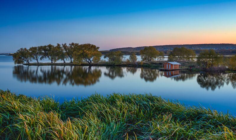 осень октябрь челябинск баня трава закат Осенний пейзаж с оранжевой банькойphoto preview