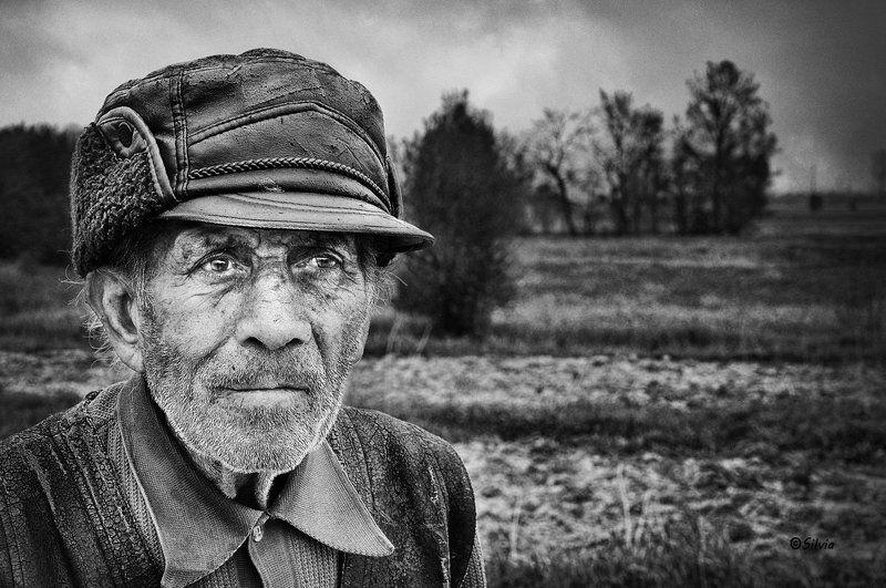 Hope in old eyes, b@w, genre, genre portrait, mood,  Hope in old eyesphoto preview