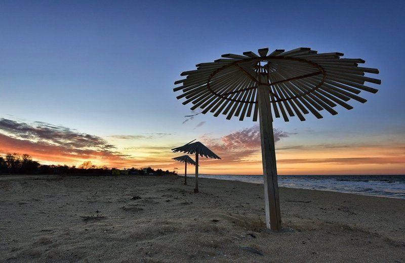 Закат у трёх грибковphoto preview