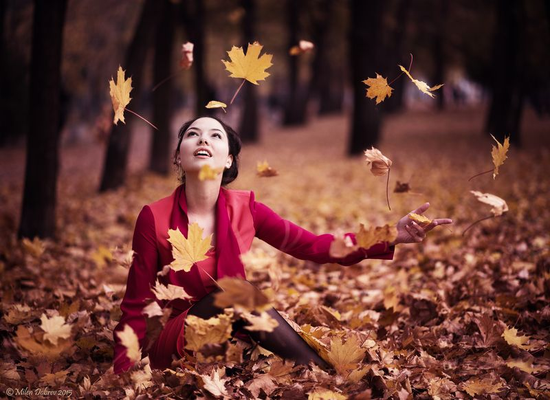Portrait, autumn, beauty, girl, leaves ***photo preview