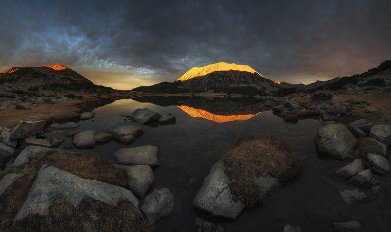 болгария, горы, закат Когда закат и ночь встречаютсяphoto preview