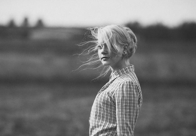 Портрет, Портрет девушки, Фотограф татьяна кошутина, Черное-белая фотография Ульянаphoto preview