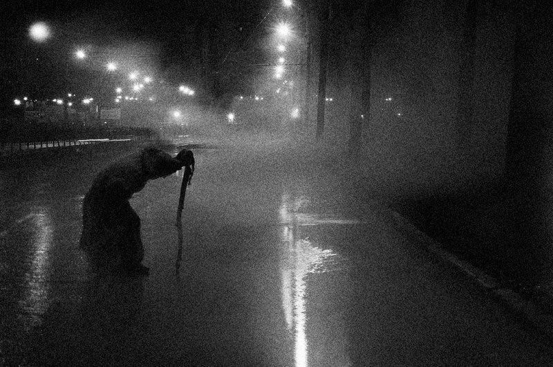 путник,туман,город,дорога Потерянный городphoto preview