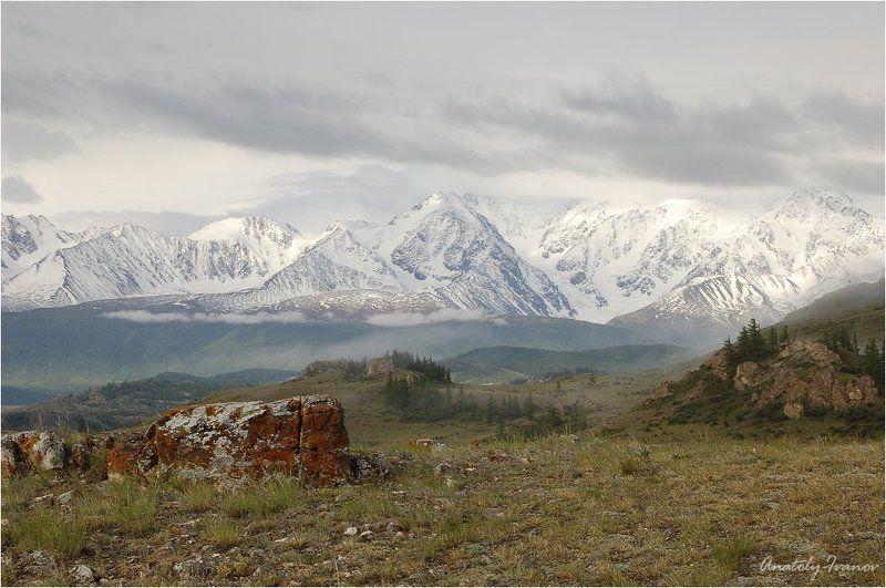 Горный алтай, Курайская степь, Северо-чуйский хребет Серое небо над Кураемphoto preview