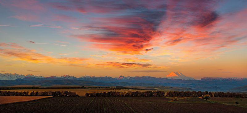 Главный кавказский хребет, Кбр, Рассвет, Северный кавказ, Эльбрус sunrise over Elphoto preview
