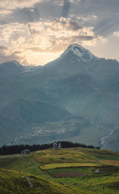 georgia, gergeti, kazbek, mountains, stepantsminda, гергети, горы, грузия, казбек, степанцминда, кавказ, caucasus Казбек и окрестностиphoto preview