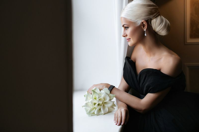 Bride in Blaсkphoto preview