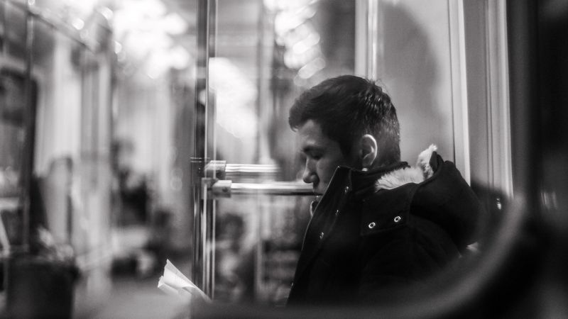 underground, portrait, subway, black and white, calmness, chiil, метро, портрет, ч\\б, жанровая съемка, черно-белое, контраст, чтение Subway readerphoto preview
